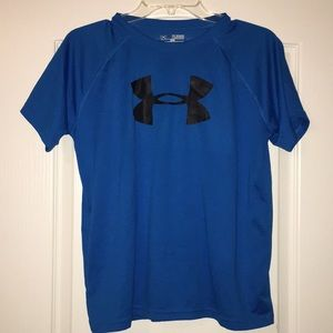 Youth XL UNDER ARMOUR T-SHIRT